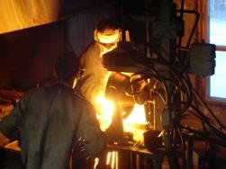 Слив готовой стали