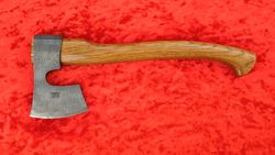 топор ТАЙГА-4 из дамасской стали